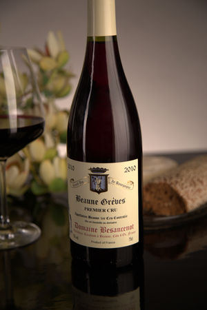 French Red Burgundy Wine, Domaine Besancenot 2010 Beaune Premier Cru Greves