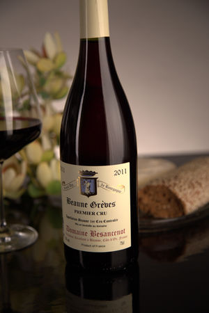 French Red Burgundy Wine, Domaine Besancenot 2011 Beaune Premier Cru Greves